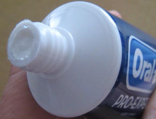Oral-B Pro-Expert Premium Gum Protection toothpaste Love Your Gums