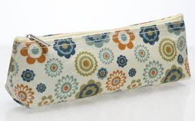 Cancer Research retro cosmetic purse
