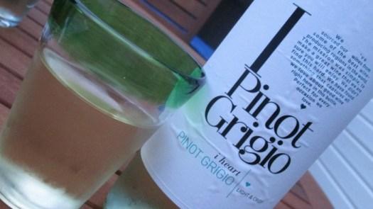 I heart Wine Pinot Grigio label