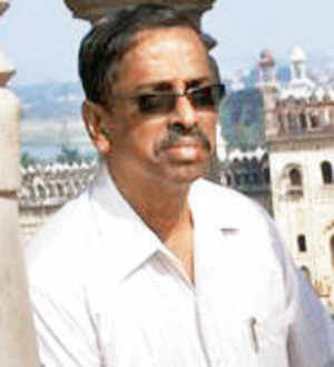 Kalwa medical college suspends 'pervert' professor