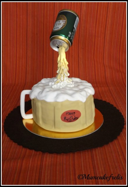 Gravity-defying Beer Mug Cake