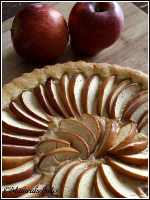 Torta di mele e crema pasticcera - Ricetta Torta di mele e crema pasticcera di Mumcakefrelis