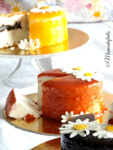 Torta per la festa della mamma torta con margherite festa della mamma torta Mother's Day cake fondant cake for mom Dedicated to all mums out there fondant, gumpaste, mums, flowers