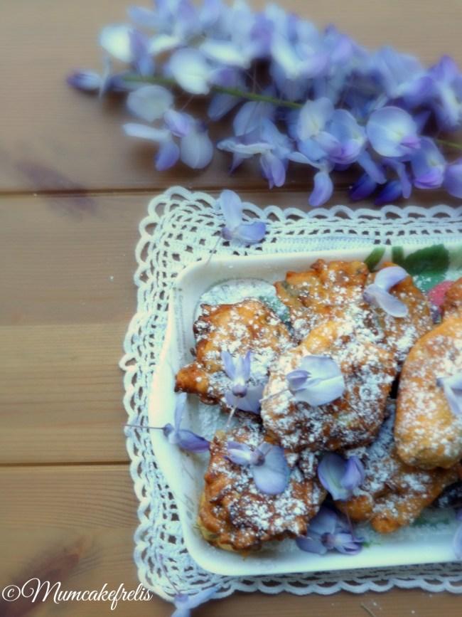 Glicine, acacia, rose, per dolci. fiori da mangiare frittelle dolci glicine