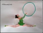 ginnasta con cerchio