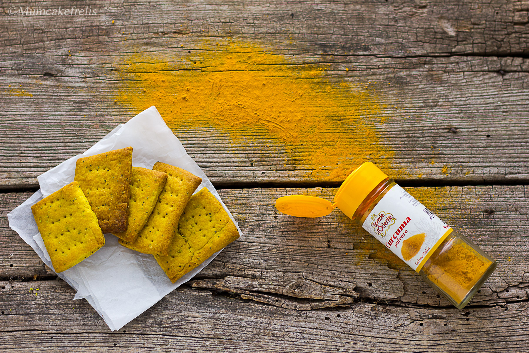 cracker vegan alla curcuma