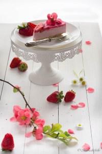 cheesecake senza cottura alle fragole e yogurt