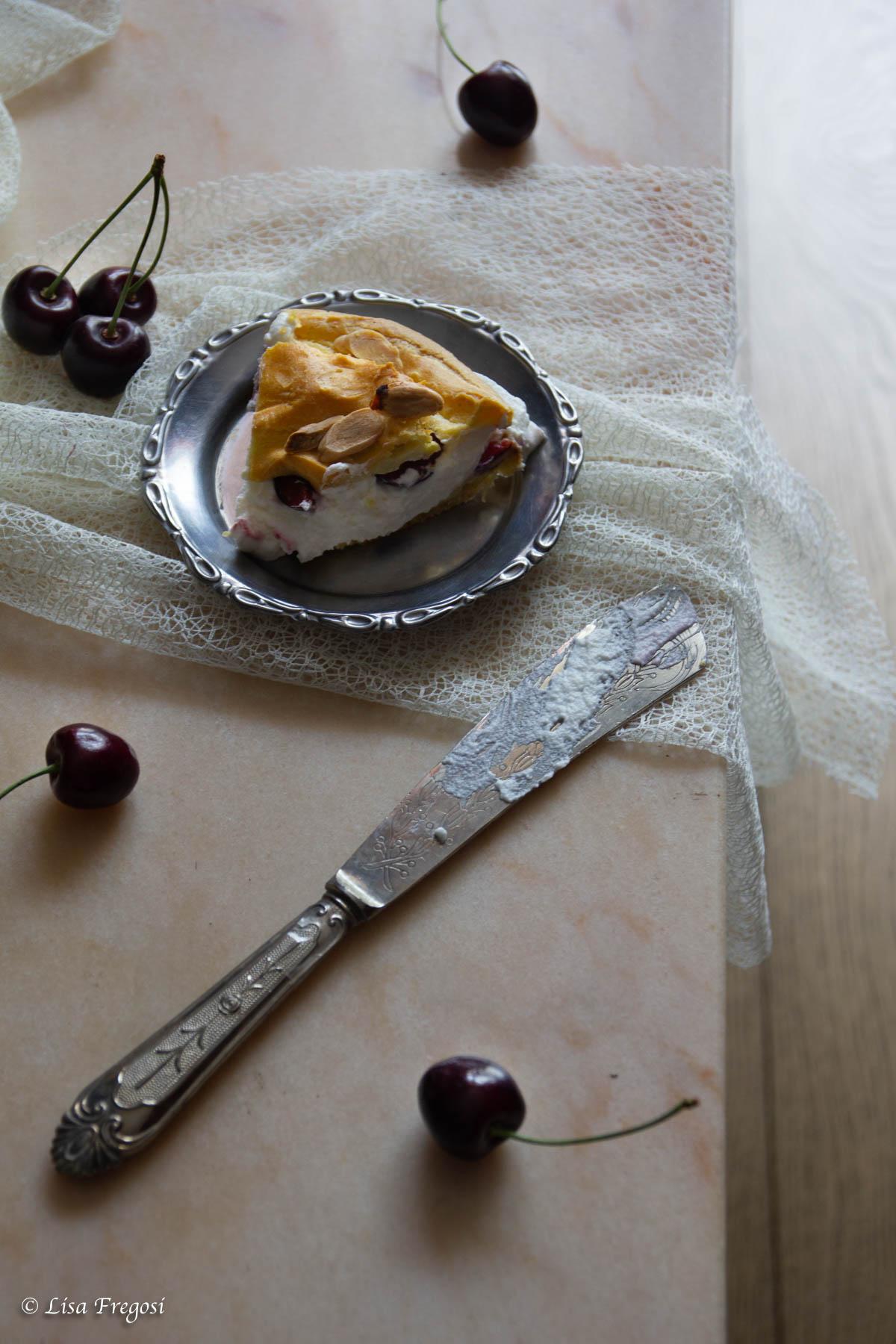 Pasris Brest con panna e ciliegie
