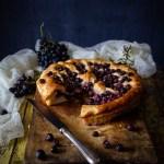 Schiacciata o ciaccia Toscana con uva canaiola