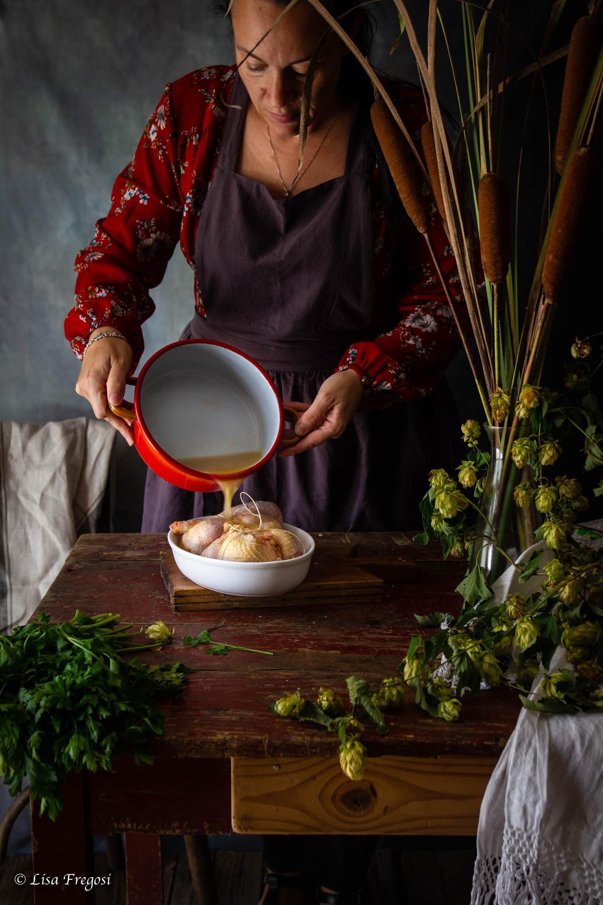 cucinare gallina ripiena arrosto gallina ripiena disossata ricetta gallina disossata ripiena ricetta di gallina ripiena brodo di gallina ripiena gallina ripiena al forno foto gallina ripiena