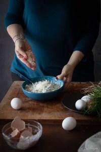 passo a passo fotografico: la ricetta dei ravioli ripieni di ricotta e agretti