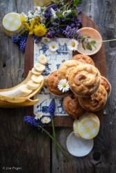 muffin con banane e noci di macadamia