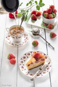 Torta morbida kefir e fragole