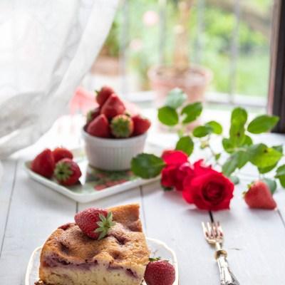 Torta morbida con fragole e kefir