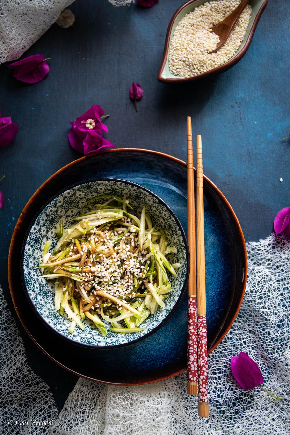come fare i noodle di zucchine crudi