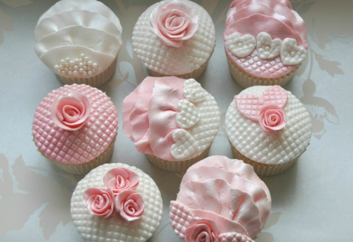 4 Creative Ideas For Using Ready To Roll Icing On Cupcakes Mummy Alarm