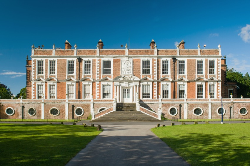 Liverpool for families - Visiting Liverpool and things to do with children, croxteth hall and country estate