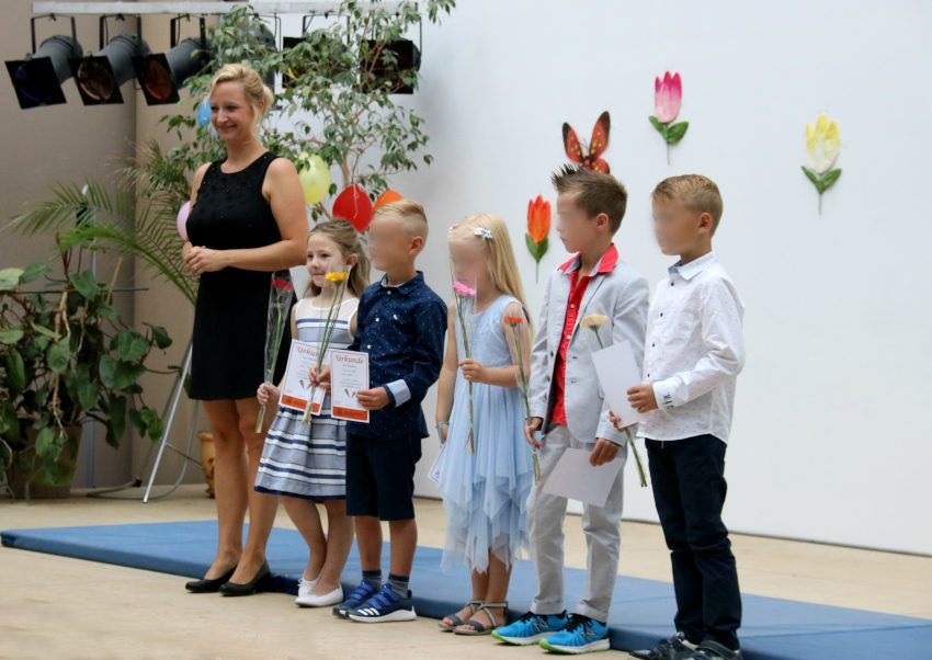 first day of school ceremony, Einschulung Germany, first day of school Germany, Amy meeting her teacher
