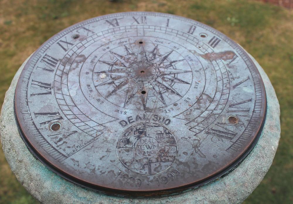 Deal Castle compass