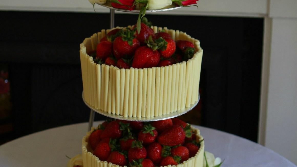 Chocolate Wedding Cake Recipes Uk: Strawberry And White Chocolate Wedding Cake With An