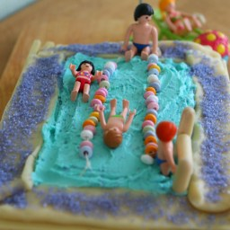 swimmingpoolcake2
