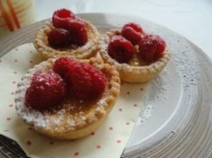rasp&vanilla custard tarts