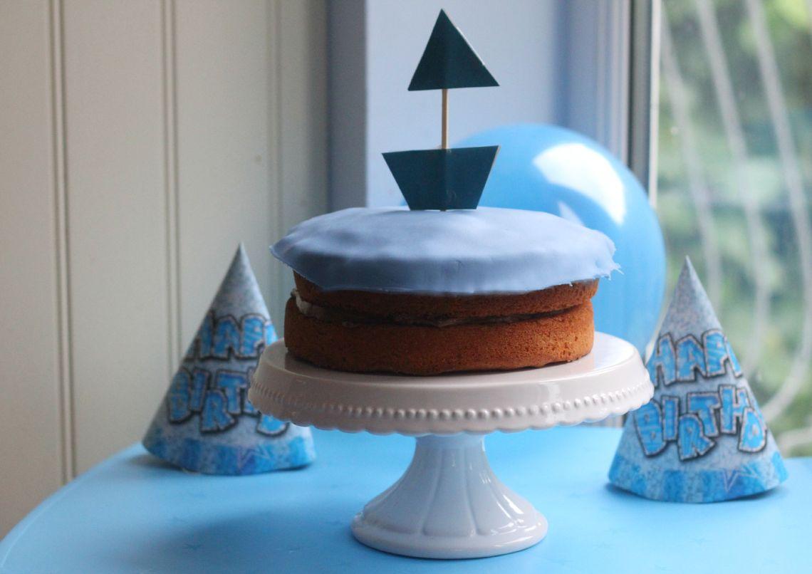 birthday boat cake large