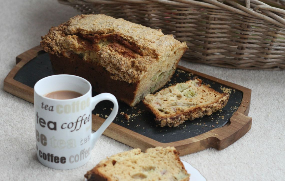 rhubarb& ginger cake with mug