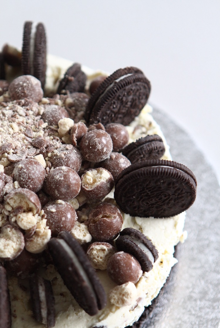 Oreo and Malteser Cheesecake