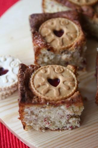 Jammie Dodgers Traybake Cake