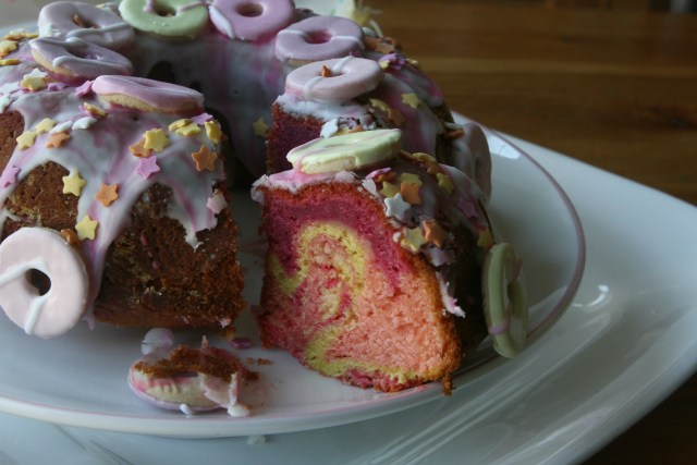 Party Ring Marble Cake