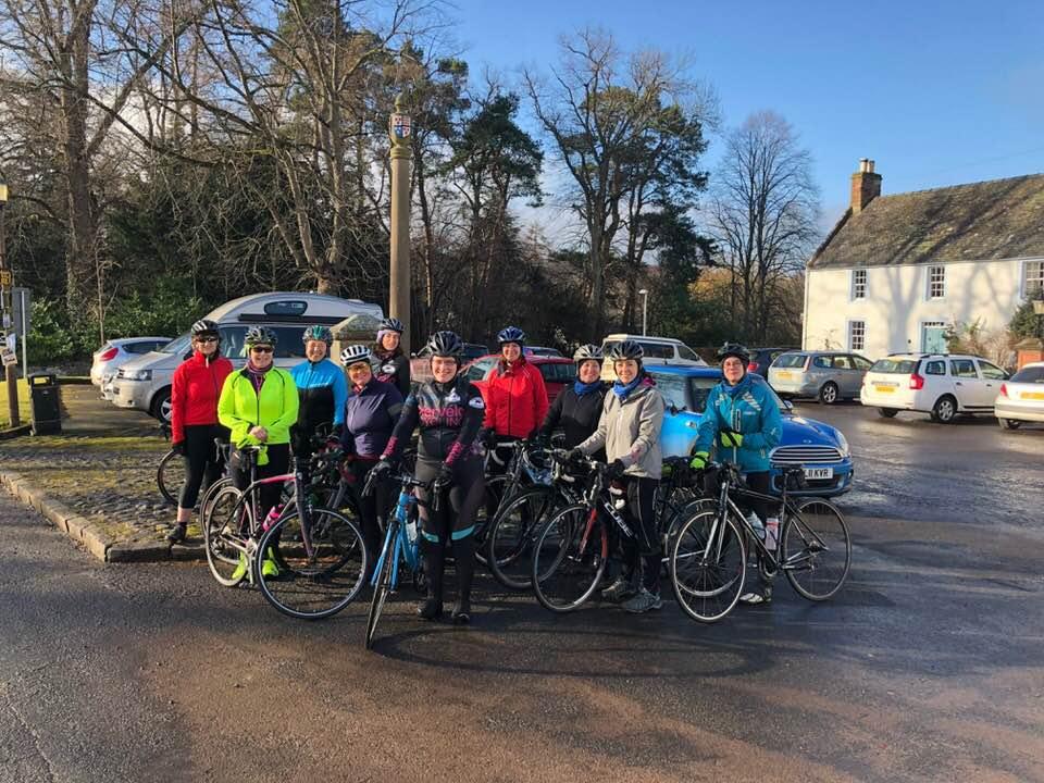 Hervelo cycle club group photo