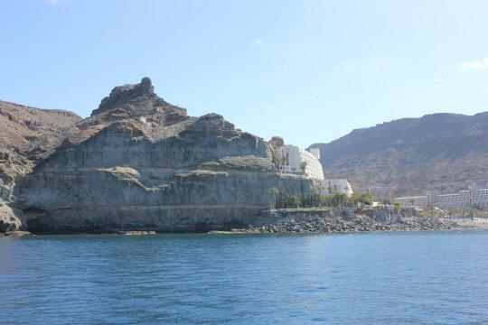gran-canaria-puerto-mogan-cliff