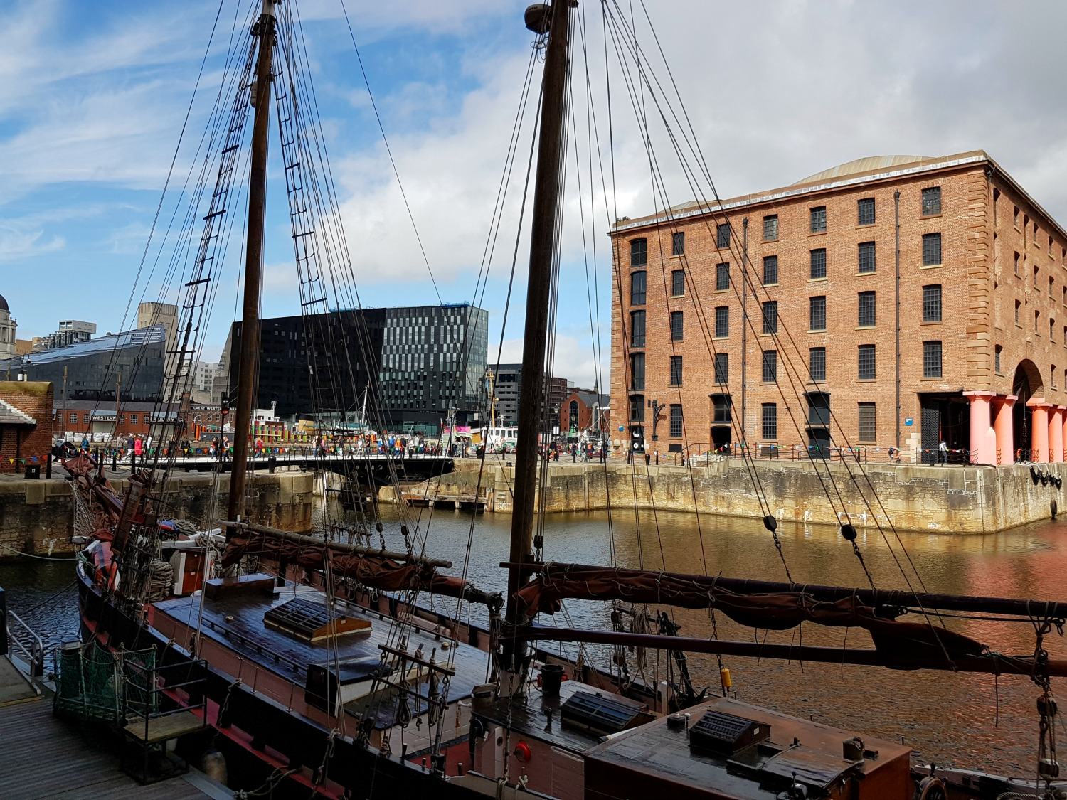 Albert Dock review - our visit to Albert Dock in Liverpool for a great family day out, exploring the restaurants, attractions including Mattel Play and spotting boats and bunting