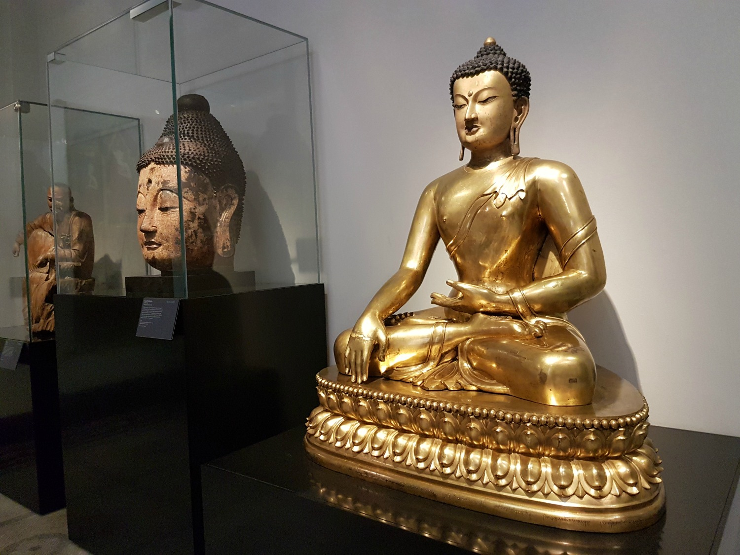 Golden Buddha statues at the V&A - my review of our visit, and why the Victoria and Albert museum with kids is a great idea