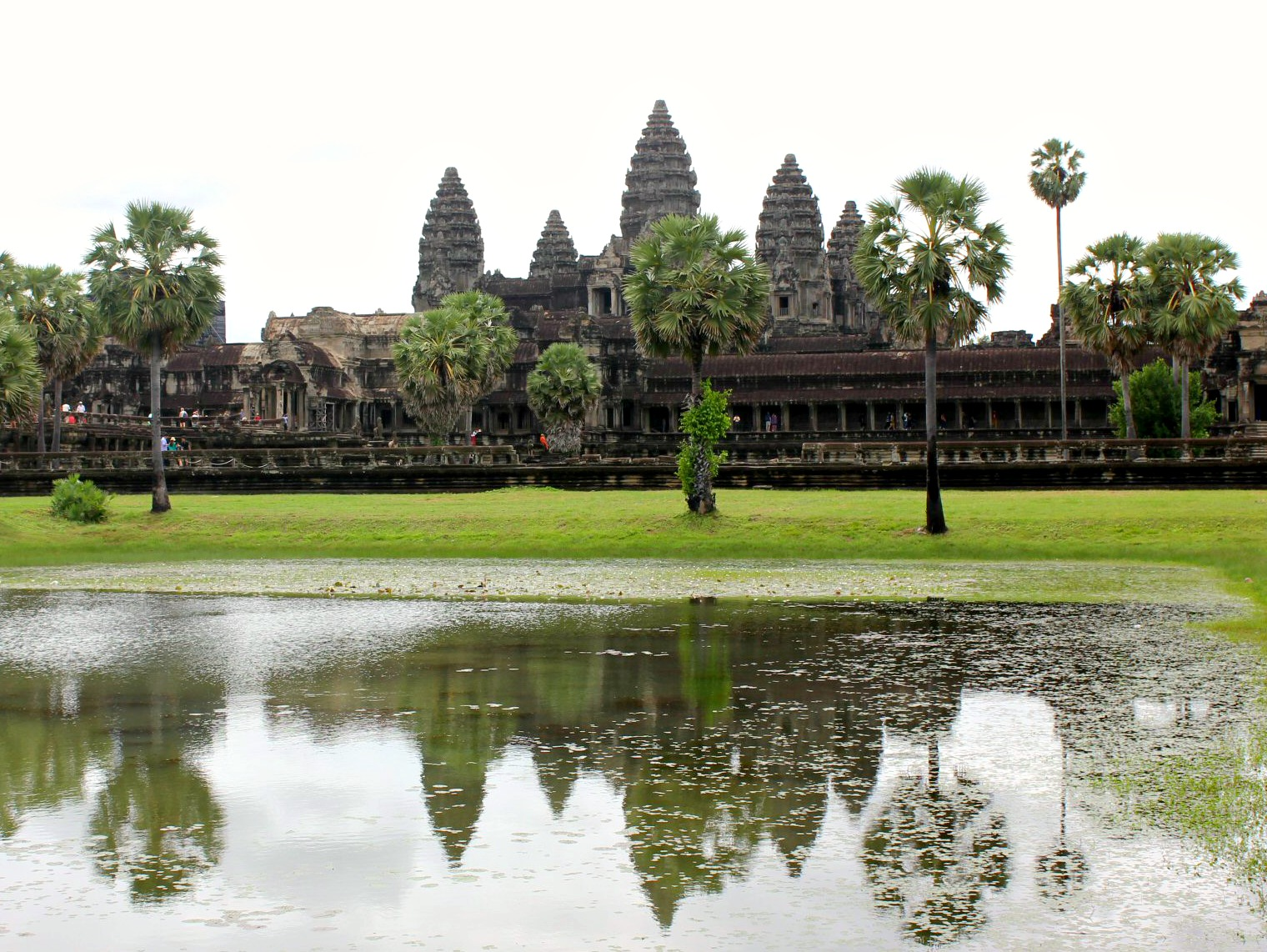Angkor Wat and its reflection n the water - 12 reasons to visit Cambodia with kids