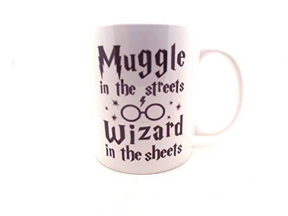 Harry Potter Themed Mug - Muggles in the street, wizard in the sheets