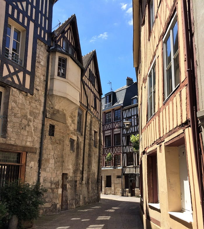Hlaf-timberd houses in Rouen