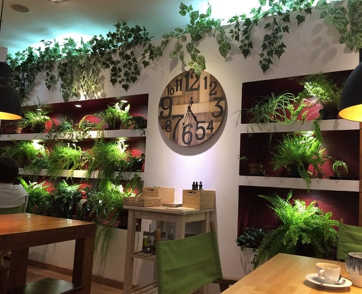 Greenwish cafe in Cascais