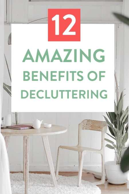 Sometimes less is more. Decluttering can dramatically improve your life. Here are 7 benefits of decluttering and living a more minimalist lifestyle #declutteringideas #clutter #clutterfree #clutterfreehome #clutterhelp #cluttertips #simpleliving #simplelife #minimalism #minimalist
