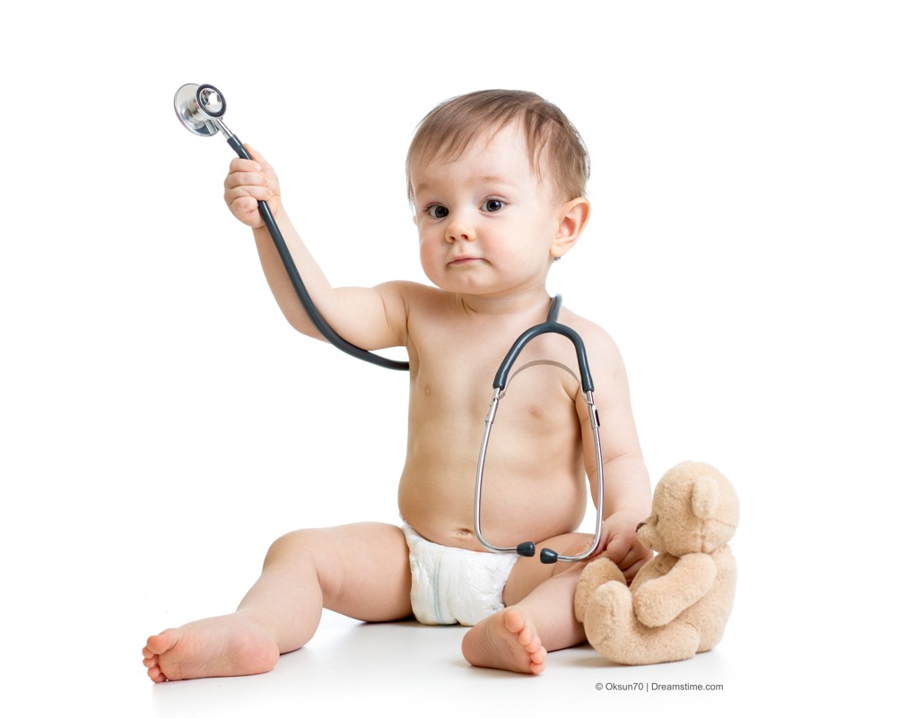funny-baby-with-stethoscope-DT