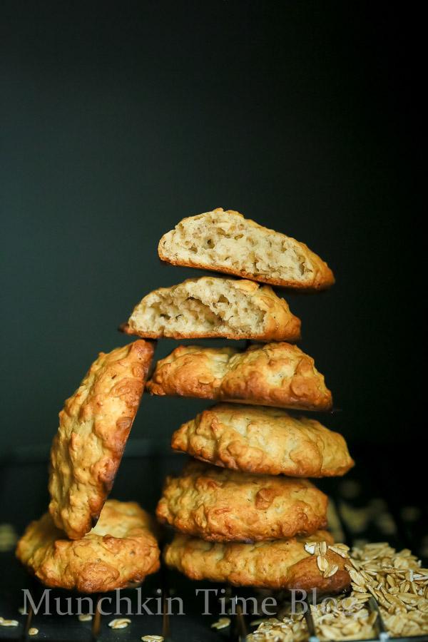 Banana Oatmeal Cookies Recipe - www.munchkintime.com #cookiesrecipe #bananarecipes