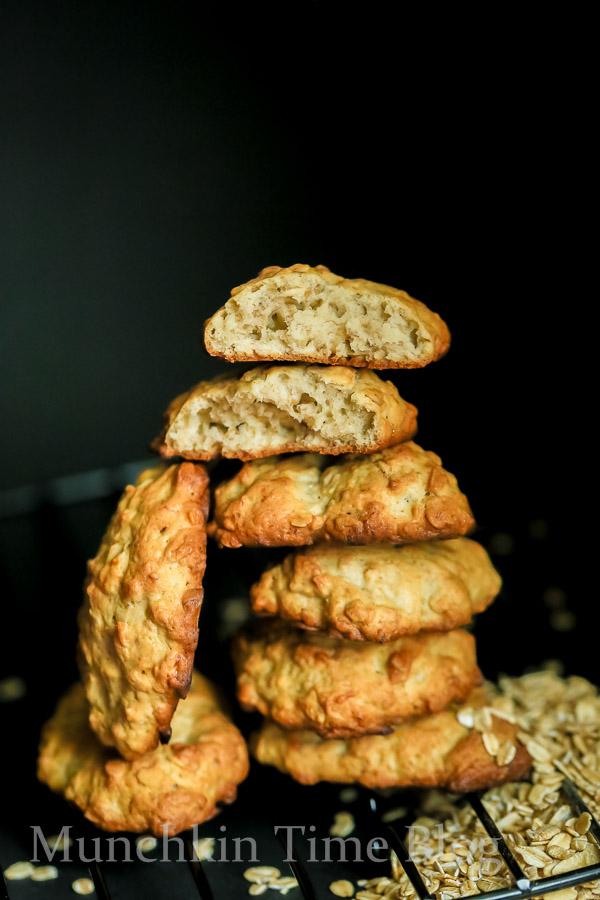 Banana Oatmeal Cookies Recipe -- - www.munchkintime.com #cookiesrecipe #bananarecipes