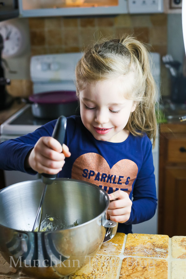 In a stand mixer's bowl mash bananas with potato masher, add softened butter and egg and whisk until everything is combined, about 1 minute.