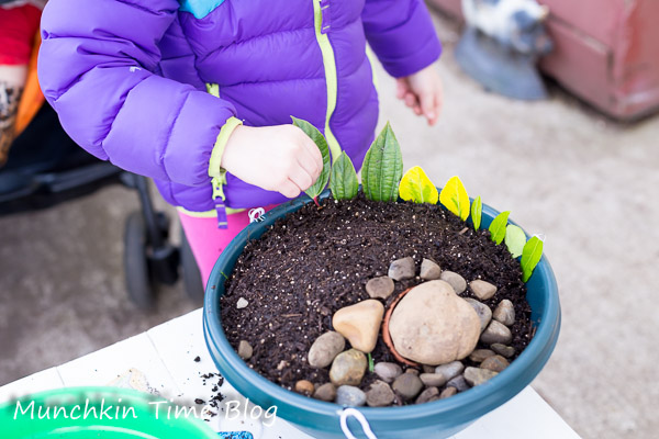 Easter Garden - Easter Activities for Kids #easteractivitiesforkids