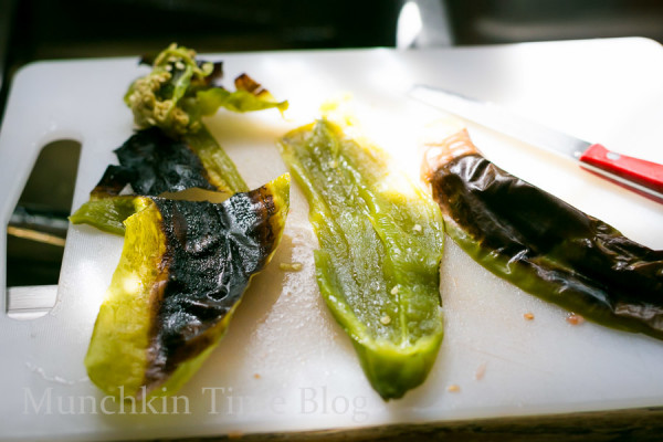 Oven Baked Alaskan Cod Parcels with Roasted Vegetables #codrecipe #dinnerrecipe www.munchkintime.com