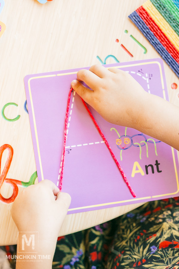Timberdoodble Wikki Stix Alphabet Review by Munchkin Time