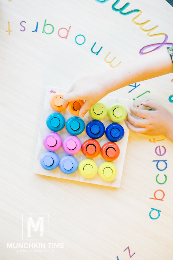 Timberdoodle Review Palette of Pegs by Haba Stem - Munchkin Time