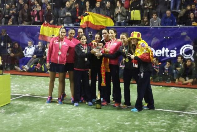 Chicas de la selección española de pádel