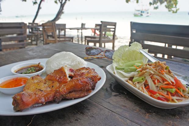 Comida-tai-en-Samet